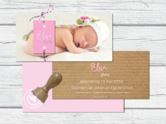 geboortekaart met foto en naamlabeltje